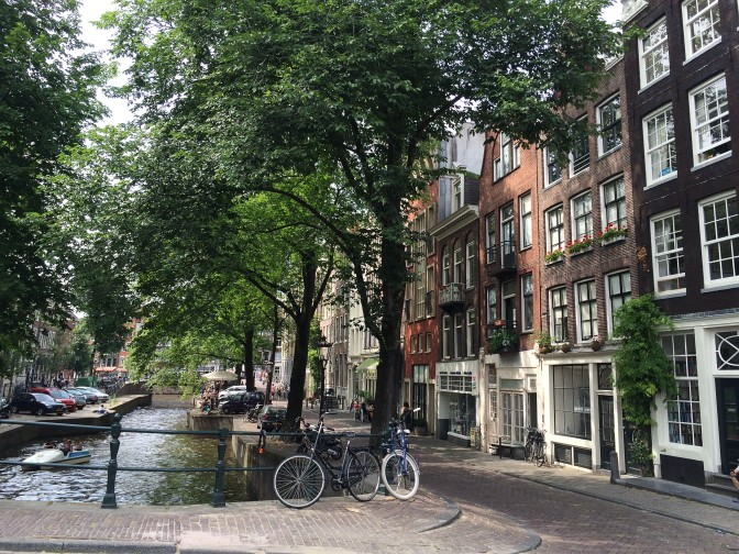 Zuiderzeeroute - Amsterdam Gracht ruhig
