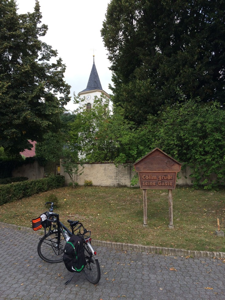 Tempo - 22 Rad-Kirche-Schild in Collm